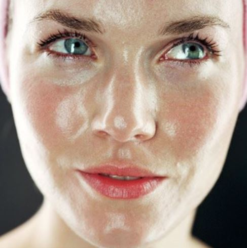 Oily skin meaning and characteristics