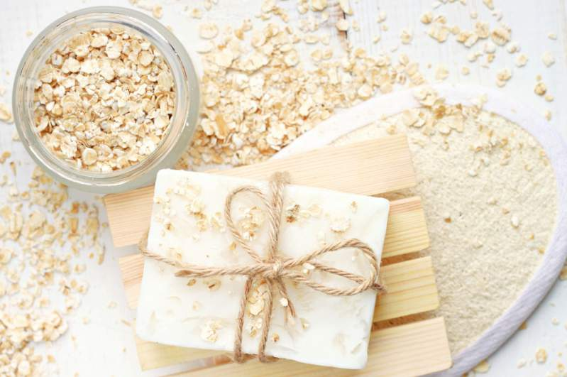 Oatmeal skin whitening